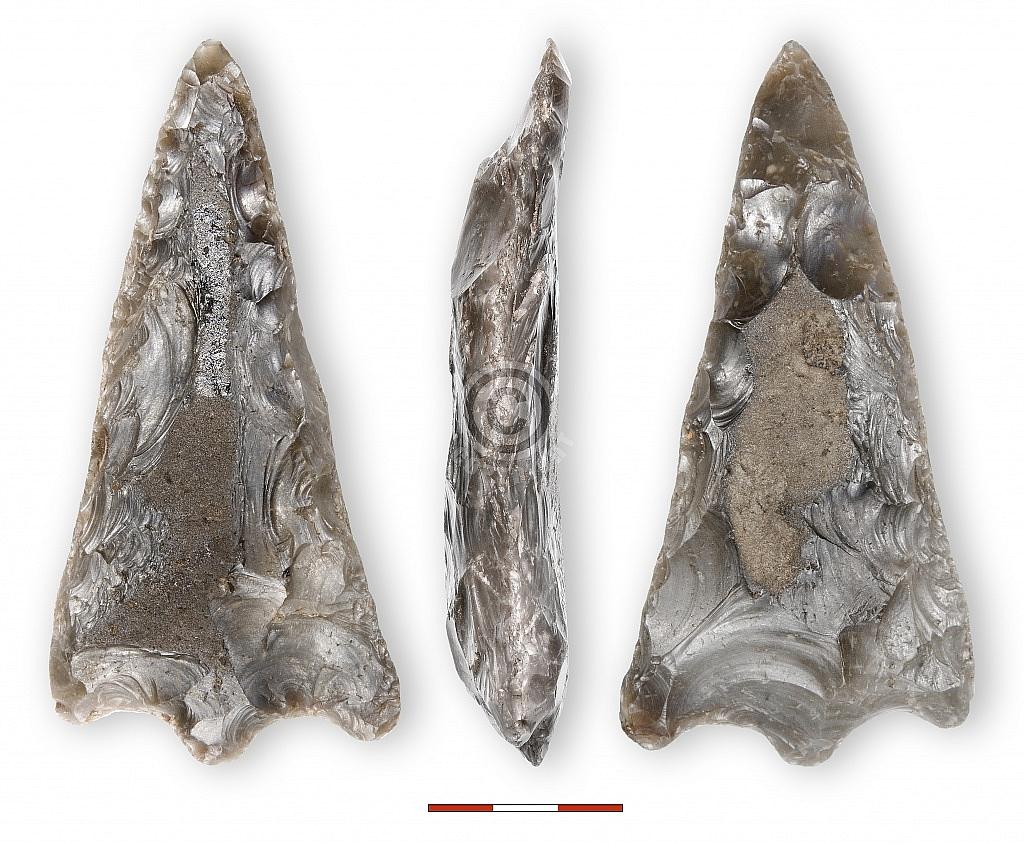 Ravenswoud (Fryslân), vervalste 'neolithische' of 'bronstijd'-spits, collectie Tjerk Vermaning